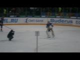 СКА 26.01.2012 - Илья Ежов танцует